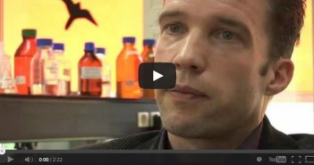 Dr. Overeem legt uit wat de oorzaak van narcolepsie is